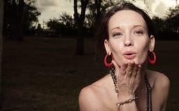 buziak podmuchowa kobieta zdjęcie royalty free
