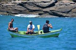 Buzios, el Brasil - 24 de febrero de 2013 Pesca artesanal Imagenes de archivo