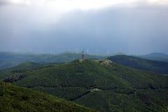 Buzludzha和希普卡纪念碑,中央巴尔干山,保加利亚 免版税库存图片