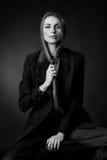 BW portret van aantrekkelijk donkerbruin sexy meisje Royalty-vrije Stock Afbeeldingen