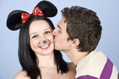być dziewczyny myszą szczęśliwym całującym Obrazy Royalty Free