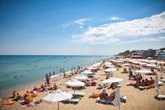 Byala mooi zandig strand op de Zwarte Zee in Bulgarije. Stock Foto
