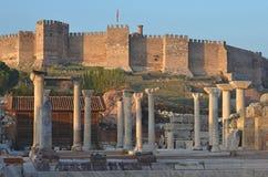 Byantine fördärvar och den turkiska slotten Royaltyfria Foton