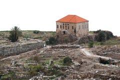 Byblos auf einem weißen Hintergrund Lizenzfreie Stockfotos