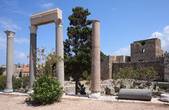 Byblos römische Spalten und Kreuzfahrer-Schloss, der Libanon Lizenzfreie Stockfotografie