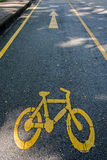 Bycicle vägmärke royaltyfri fotografi