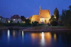 Καθεδρικός ναός Bydgoszcz και ποταμός Brda τή νύχτα Στοκ Φωτογραφία