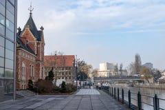 Bydgoszcz, kujawsko-pomorskie/Polonia - 31 gennaio, 2019: Città di Bydgoszcz, in città Argine del fiume di Brda in Bydgoszcz immagini stock