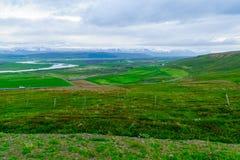 Bygd landskap i nordostliga Island royaltyfri fotografi