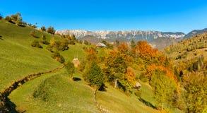 Bygdlandskap i en romanian villlage Royaltyfria Bilder