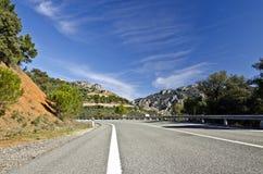 Bygdväg i den Despenaperros nationalparken i nordliga Anda Royaltyfri Fotografi