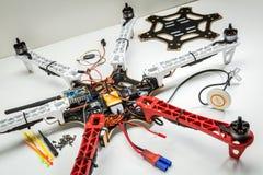 Byggande av ett hexacoptersurr Arkivbild
