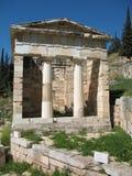 byggande färgrik delphi greece kassa Royaltyfri Fotografi