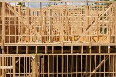 byggande gå högt stiger upp Arkivfoto