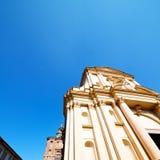 byggande gammal arkitektur i Italien Europa milan religion a royaltyfri foto