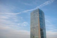 byggande hög modern stigning Arkivbild