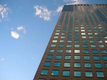 byggande modern skyskrapa Royaltyfri Bild