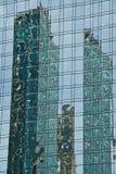 byggande moderna reflexioner Arkivbild