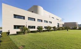 Byggande motsvara till Miguel Hernandez University av Elc arkivfoto