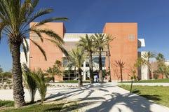 Byggande motsvara till Miguel Hernandez University av Elc fotografering för bildbyråer