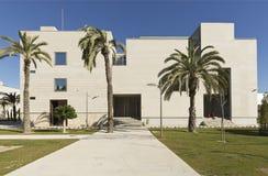 Byggande motsvara till Miguel Hernandez University av Elc arkivfoton