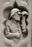 byggande snida den gammala mannen Royaltyfri Fotografi