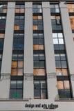 Byggande som är skadat vid jordskalvet i 2010 Arkivbilder