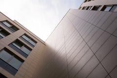 byggande stigning för högt kontor arkivfoto