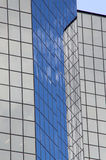 byggande stigning för högt kontor Arkivbild