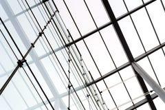 Byggande taklägga stöttor och exponeringsglas Arkivbilder