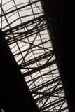Byggande taklägga stöttor och exponeringsglas Royaltyfria Foton