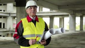 Byggmästare på konstruktionsplatsen arkivfilmer