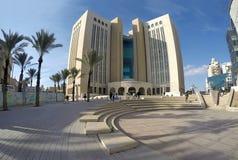 Byggnad av borgerligt och brottmålsdomstolen i öl Sheva arkivbild