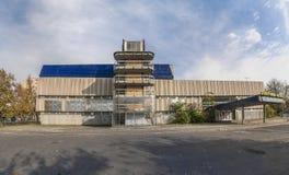 Byggnad av den gamla simbassängen på Budapest Arkivfoto
