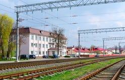 Byggnad av den Gomel avståndsbanan av den Belorussian järnvägen Royaltyfri Foto