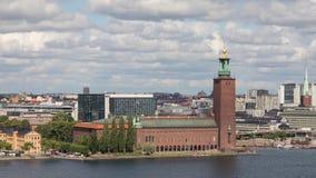 Byggnad av stadshuset i Stockholm, Sverige arkivfilmer