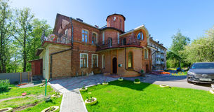 Byggnad av XIX århundradet längs den Putna gatan, Vitebsk, Vitryssland Arkivbilder