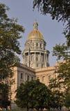 Byggnad för Colorado tillståndsKapitolium med blå himmel royaltyfria bilder
