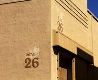 Byggnad för etapp för Hollywood filmstudio fotografering för bildbyråer