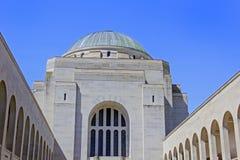Byggnad för krigminnesmärke Arkivfoto