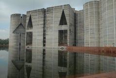 Byggnad för nationell parlament på Dhaka, Bangladesh royaltyfri foto