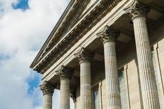 Byggnad för romersk stil Royaltyfri Foto