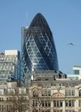 30 byggnad för St Mary Axe i London royaltyfria bilder