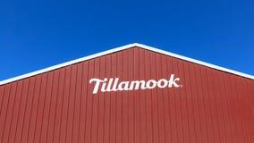 Byggnad för Tillamook ostfabrik, på den centrala Oregon kusten arkivfoto