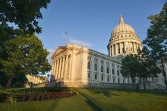 Byggnad för Wisconsin tillståndsKapitolium i Madison arkivbilder