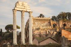 Byggnad fördärvar i Rome Arkivfoton