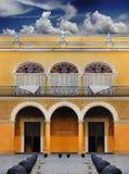 byggnad gammala koloniala havana Arkivbild