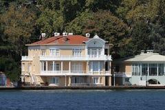 Byggnad i den Istanbul staden, Turkiet Royaltyfri Foto