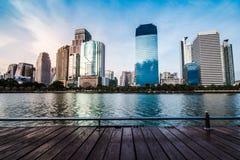 Byggnad i mitt av Bangkok Royaltyfria Bilder