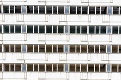 Byggnad i Petržalka, Bratislava, Slovakien Royaltyfria Bilder